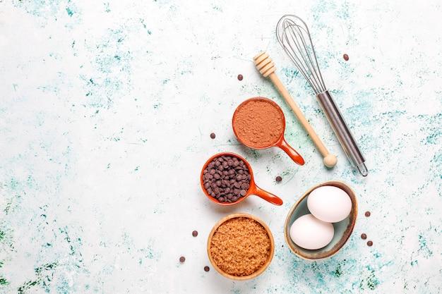 Fond De Cuisson De Cupcake Avec Des Ustensiles De Cuisine. Photo gratuit