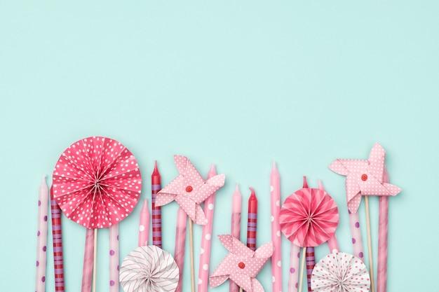 Fond De Fête D'anniversaire Coloré Avec Des Bougies Photo Premium
