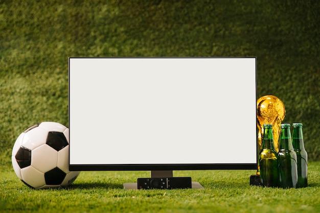 Fond de football avec de la bière et de la télévision blanche Photo gratuit