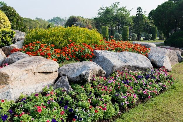 Fond de jardin de fleurs Photo Premium