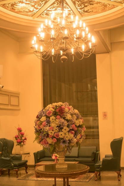 Fond de lustres dans les hôtels de luxe Photo Premium