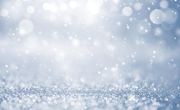 Fond de noël avec des chutes de neige, flocon de neige. vacances d'hiver pour joyeux noël et bonne année. Photo Premium