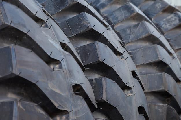 Fond de pile de pneus de camion Photo Premium
