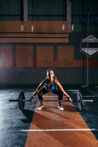 Formation De Femme En Salle De Gym Photo gratuit