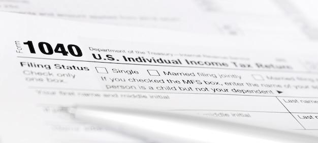 Formulaire Américain De Déclaration De Revenus Des Particuliers 1040. Photo Premium