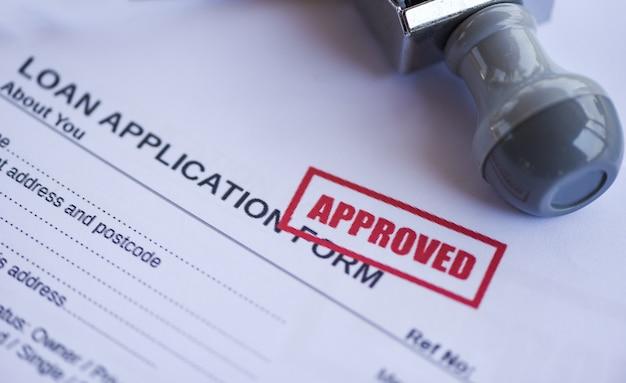 Formulaire de demande de prêt financier pour prêteur et emprunteur Photo Premium