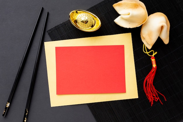 Fortune Cookies Et Carte Maquette Du Nouvel An Chinois Photo gratuit