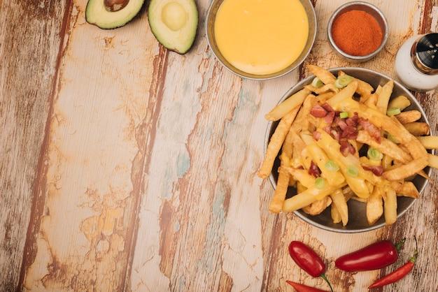 Frites et fromage Photo gratuit