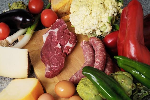 Fromage de légumes et huile de saucisse Photo Premium