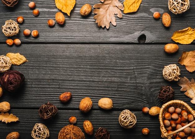 Frontière de feuilles et de noix Photo gratuit