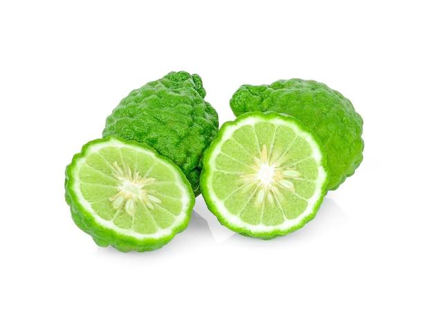 Fruit de bergamote sur fond blanc Photo Premium