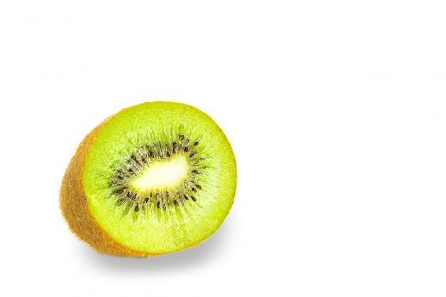 Fruit De Kiwi Avec Ombre Sur Fond Blanc. Photo Premium