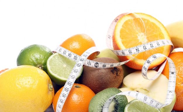 Fruits Frais Et Ruban à Mesurer Photo gratuit