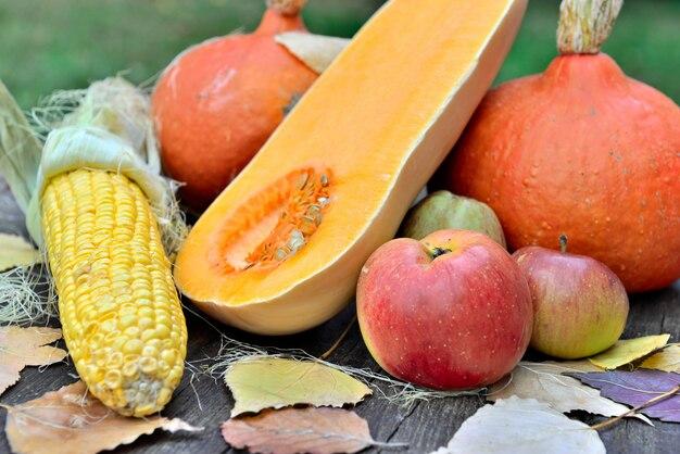 Fruits et légumes frais Photo Premium