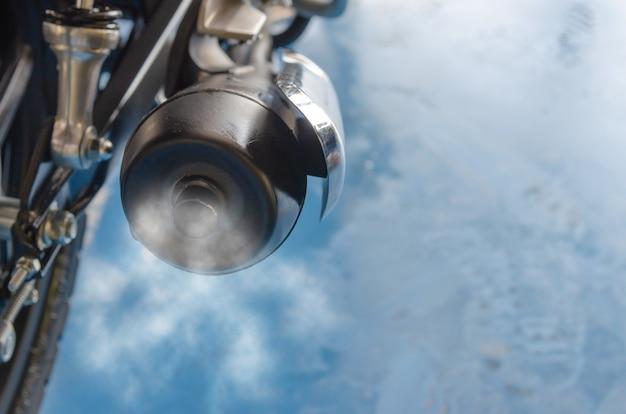Fumée d'échappement de moto Photo Premium