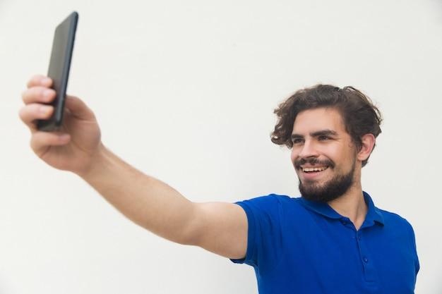 Gai Gars Prenant Selfie Sur Téléphone Mobile Photo gratuit