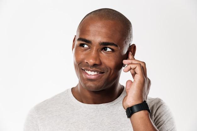 Gai Jeune Homme Africain Photo gratuit