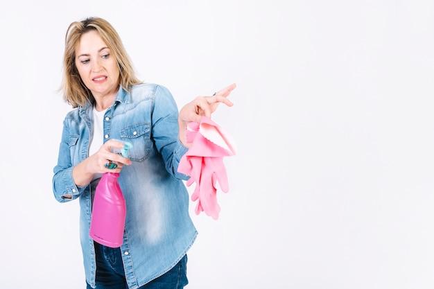 Gants désinfectants pour femme Photo gratuit