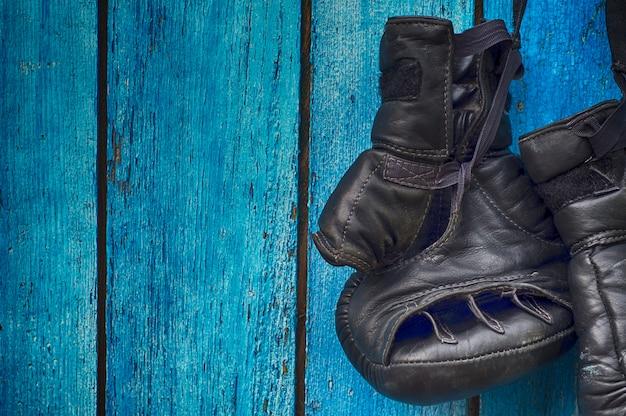 Gants noirs pour le kickboxing Photo Premium