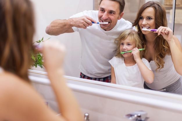 Garder Vos Dents En Bon état Photo gratuit