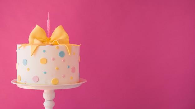 Gâteau d'anniversaire Photo gratuit