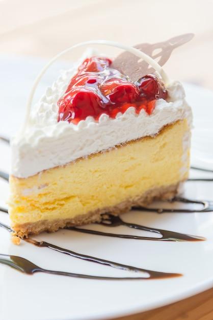 Gâteau au fromage aux fraises Photo gratuit