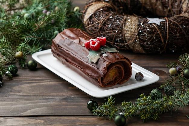 Gâteau Bûche De Noël, Noël Buche De Noel Photo Premium