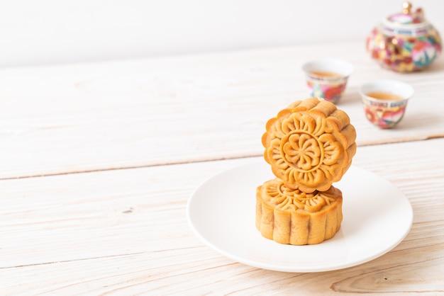 Gâteau De Lune Chinois Pour La Fête De La Mi-automne Photo Premium