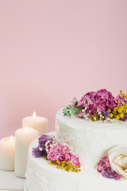 Gâteau De Mariage Avec Des Fleurs Télécharger Des Photos
