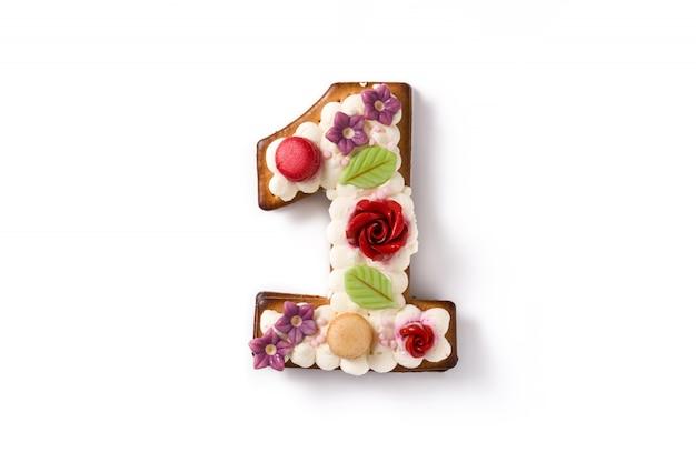 Gâteau Numéro Un Décoré De Fleurs Et De Macarons Isolés Photo Premium