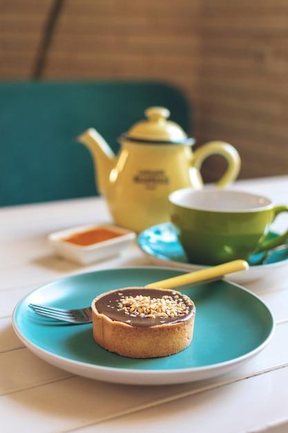 Gâteau rond au caramel salé Photo Premium