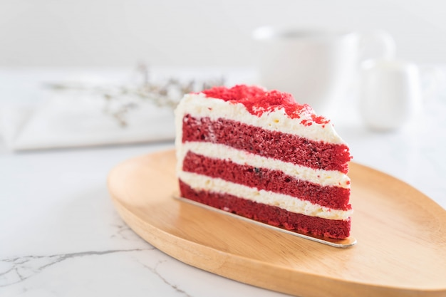 Gâteau de velours rouge Photo Premium
