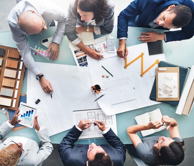 Gens d'affaires planification concept d'architecture blueprint Photo Premium
