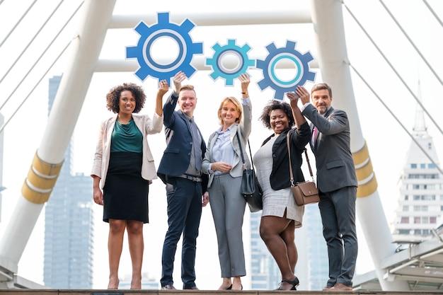 Des gens d'affaires prospères avec des stratégies Photo gratuit