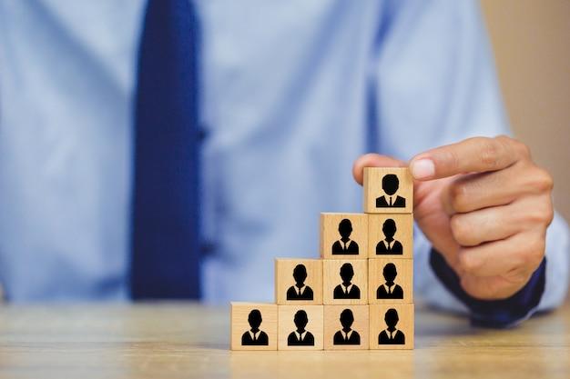 Gestion des ressources humaines, trouver des gens d'affaires talent with successful. Photo Premium