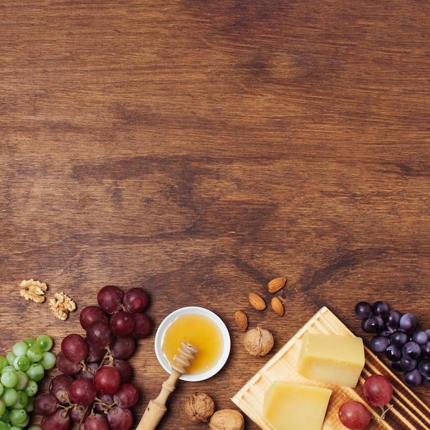 Goodies pique-nique plat avec espace de copie Photo gratuit