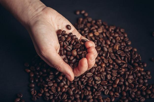 Grains De Café, Articles De Café Torréfiés Photo Premium