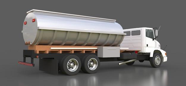 Grand camion-citerne blanc avec remorque en métal poli Photo Premium