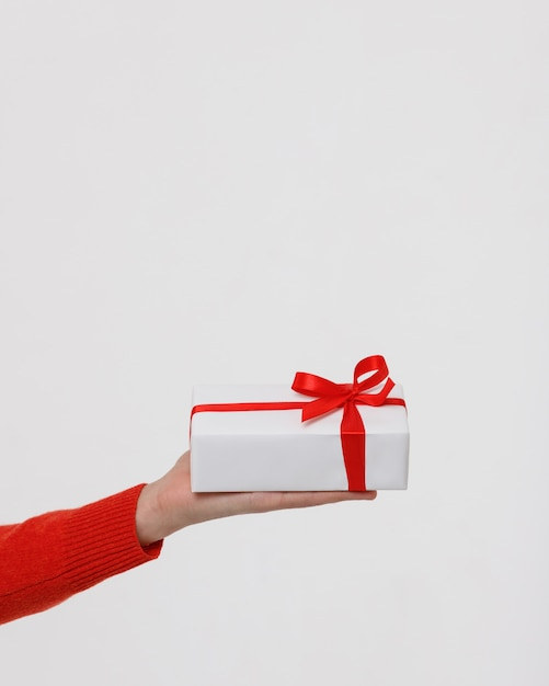 Grand Plan, De, Main Homme, Tenue, Blanc, Emballé, Coffret Cadeau, à, Ruban Rouge Photo Premium