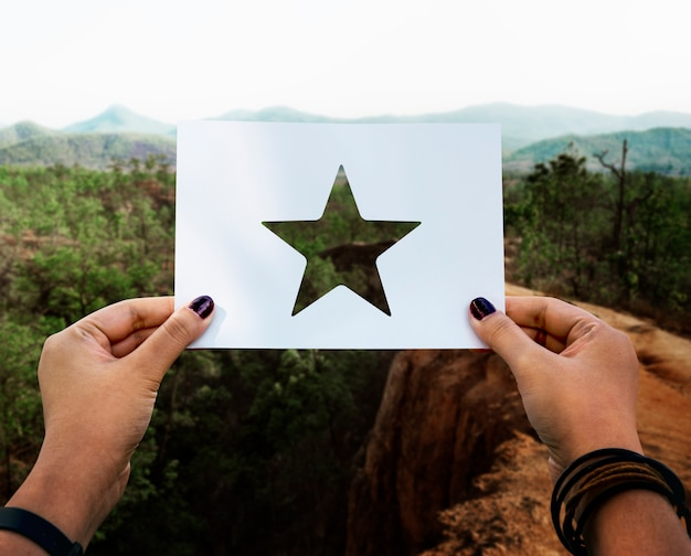 Grande Excellence Récompense étoile En Papier Perforé Photo gratuit