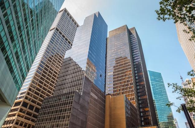 Gratte-ciel Et Bâtiments De Manhattan. Architecture De Manhattan Et De New York Photo Premium