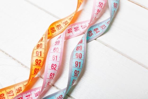 Gros plan de bandes de mesure colorées Photo Premium