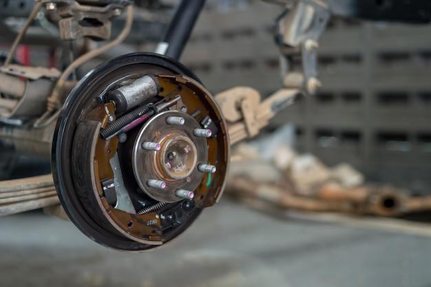 Gros plan, changer, roues, garage Photo Premium