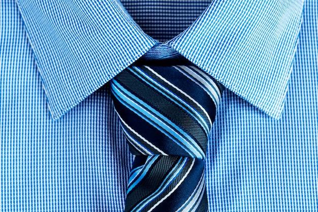 Gros plan de la cravate Photo gratuit
