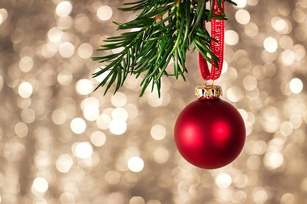 Gros Plan De Décorations De Noël Avec Bokeh Coloré Lumineux Sur Fond, Concept De Noël Photo gratuit