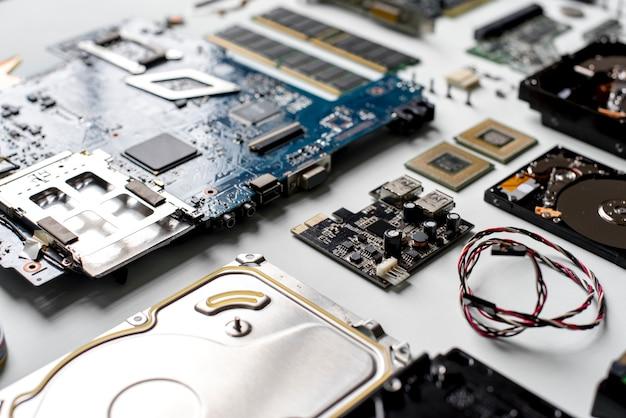 Gros plan de disques durs d'ordinateur Photo Premium