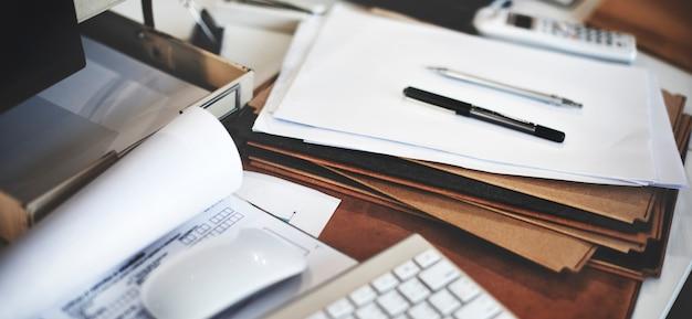 Gros plan du bureau de la table de travail Photo gratuit