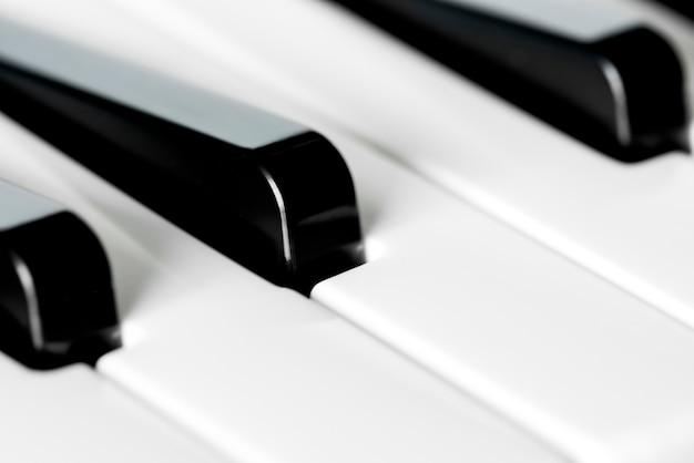 Gros plan du clavier de piano Photo gratuit