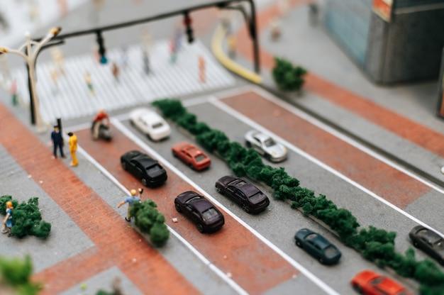 Gros Plan Du Modèle De Petites Voitures Sur La Route, Conception Du Trafic. Photo gratuit