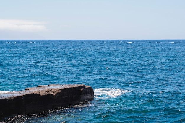 Gros plan, eau cristalline, plage Photo gratuit